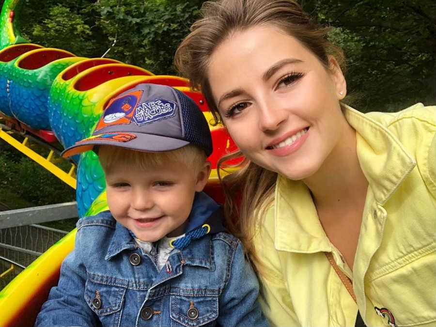 32-летняя Анна Михайловская показала идеальную фигуру в интересном образе, а также своего сына