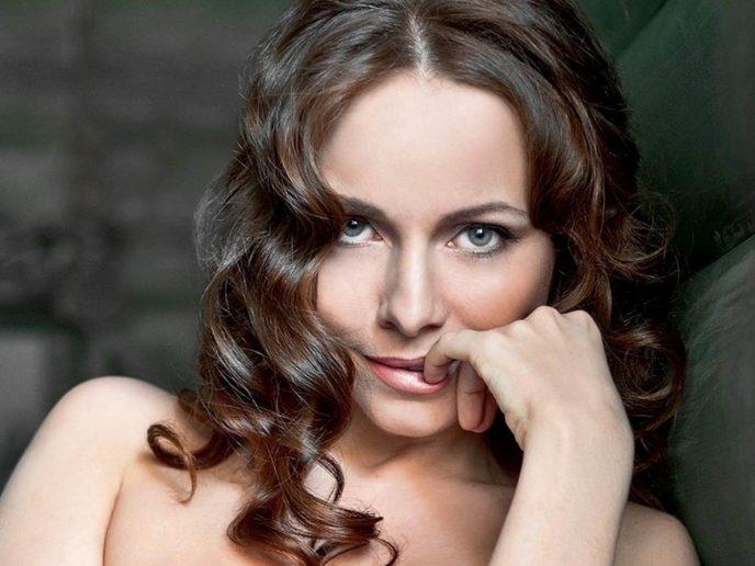 «Чертовски хороша». 44-летняя Гусева опубликовала новые снимки без и восхитила подписчиков