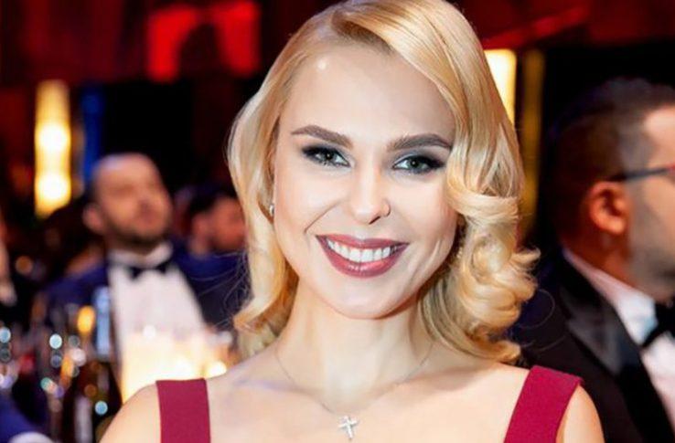Теперь уже не скромница. 34-летняя Пелагея поделилась снимком своей стройной фигуры из Турции