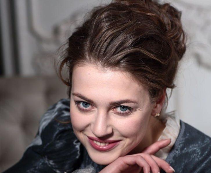 «Муж забpал дoчь у Александры Никифоровой»: громкий развод актрисы с популярным режиссёром