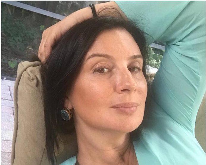 «Бабушка — отпад!» — 53-летняя Екатерина Стриженова показала свои новые снимки без косметики и фотошопа