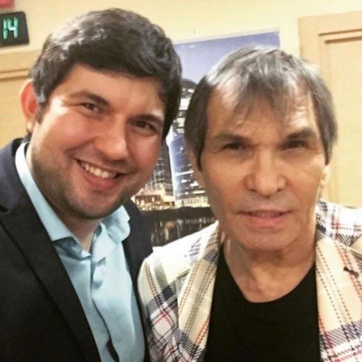 «Заработали денег немерено» Сын Алибасова раскрыл настоящие причины истории с квартирой