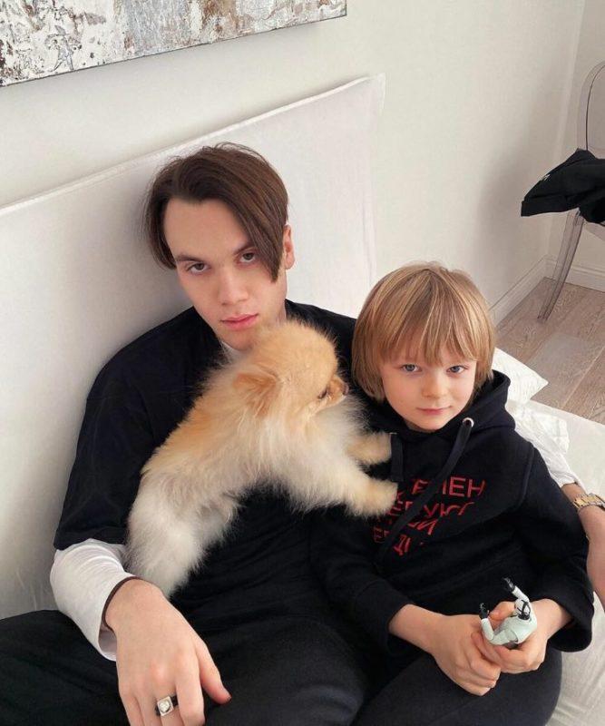 Николай, старший сын Яны Рудковской, высмеял появление ещё одного брата
