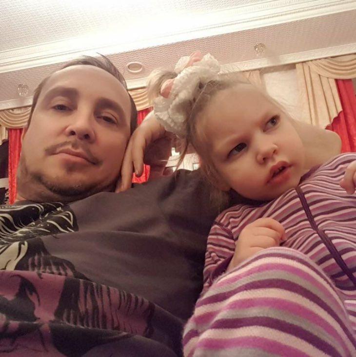 «Одной мне трудно справляться»: бывшая супруга Данко пытается собрать деньги на лечение ребенка