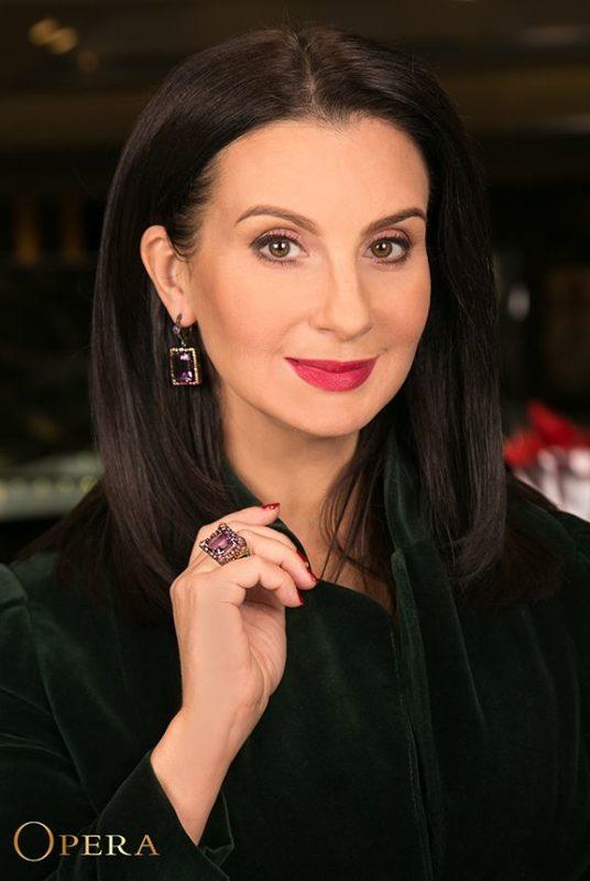 «Морщинистая и дряблая кожа»: 52-летняя Стриженова резко постарела и изменилась