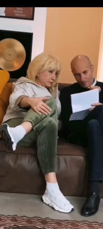 Крутой выложил новые снимки с Аллегровой, показав, как выглядит сейчас 68-летняя артистка