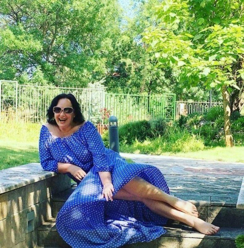 «Нашла, что показать»: 61-летняя Гузеева поделилась интригующим снимком