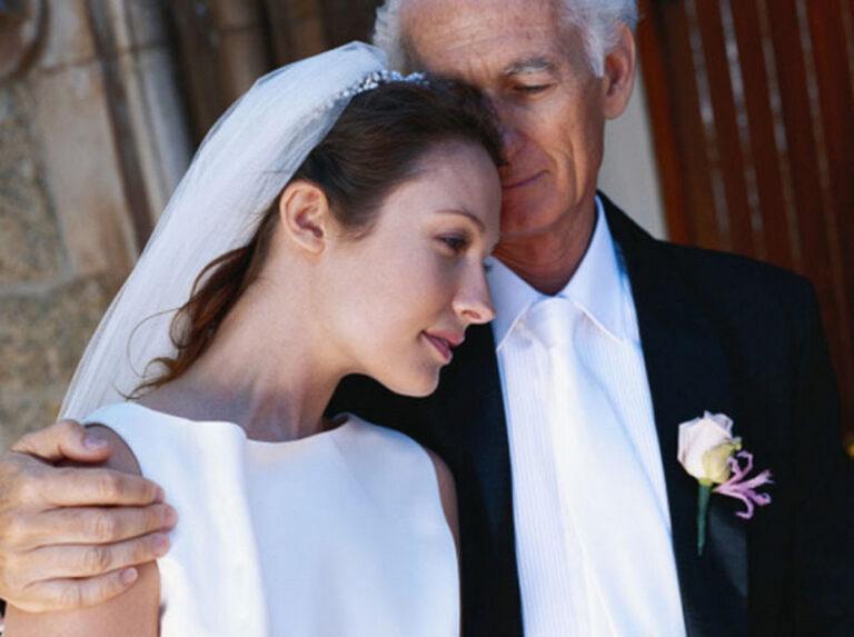 В 19 Ульяна вышла замуж за егеря, который старше неё на 43 года. Как сложилась её судьба через 8 лет