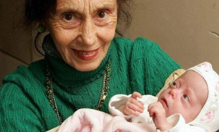 Спустя уже 15 лет: вот как живет девочка, которую женщина родила в 66 лет