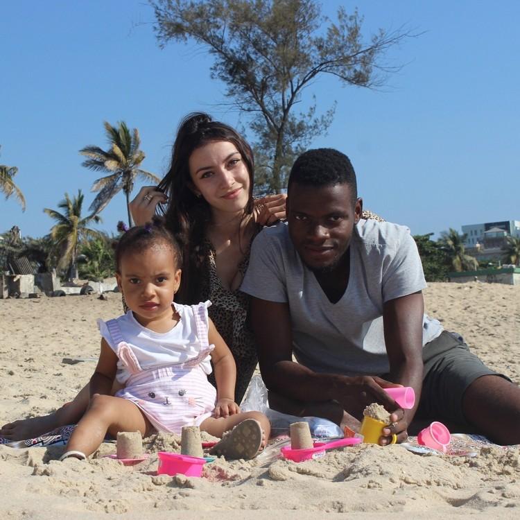 Ани стала супругой африканца. Вот как выглядит её дочь, покорившая своей красотой Анголу