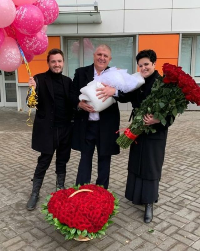 «В 50 лет жизнь имеет новое начало!»: Елена Голунова стала мамой в 52 года