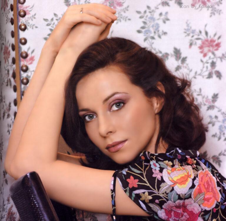Просто восхитительна: 44-летняя Екатерина Гусева удивляет не только красотой, но и фигурой
