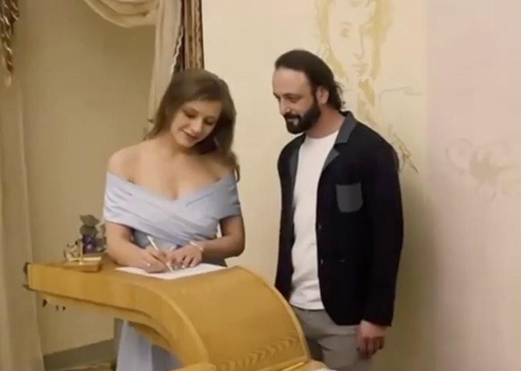 Илья Авербух ответил всем, кто нетактично отмечает большую разницу в возрасте с его женой