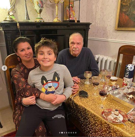 Анна Нетребко и её «особенный» сын, борьба артистки за нормальную жизнь ребенка