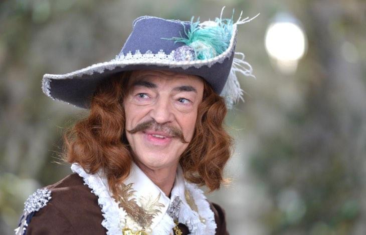 Боярскому 71, в честь праздника сын актера показал его снимок без легендарной шляпы