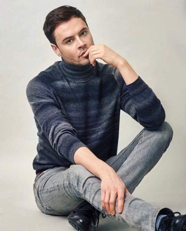 Его просто не узнать: как сегодня выглядит обаятельный актёр Иван Николаев