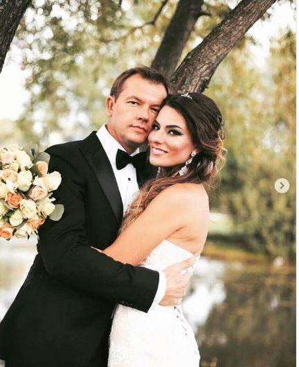 Красавица-супруга и взрослая дочь: вот как живет талантливый Алексей Фатеев