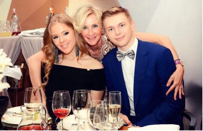 «Выдали замуж»: «возлюбленная» сына Кристины Орбакайте стала супругой его друга