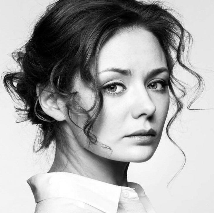 Талантливая актриса, красавица Карина Разумовская: два брака и ее творческая карьера