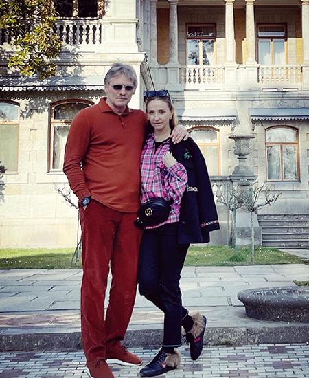 Новые фото Татьяны Навки и Дмитрия Пескова с отдыха в Крыму