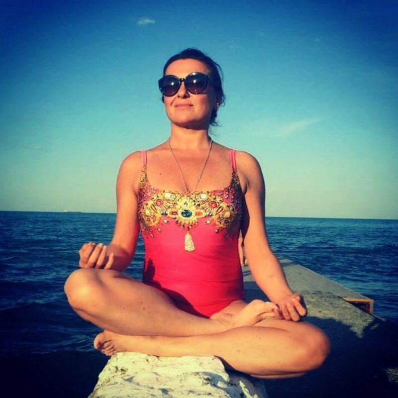 «Пора вспомнить, что не девочка уже»: 45-летняя Наталья Могилевская в образе русалочки взбудоражила Сеть