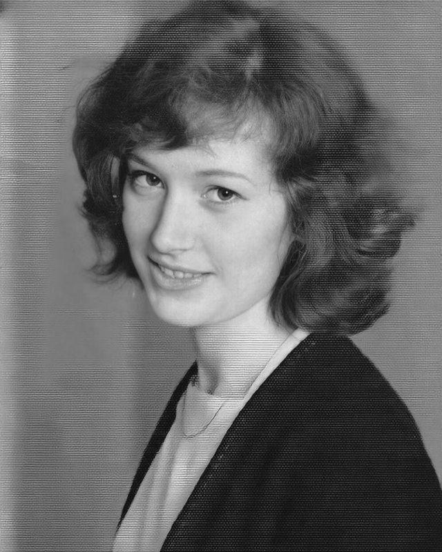Какая красавица, да ещё и натуральная! Поклонники очарованы архивным снимком 17-летней Пугачёвой