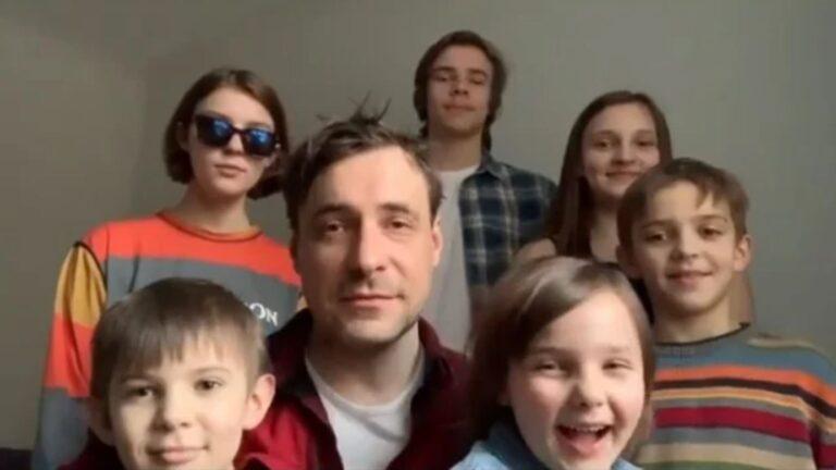 В 42 года одинокая мать с 7 детьми: вот как сегодня живёт актриса Ирина Леонова