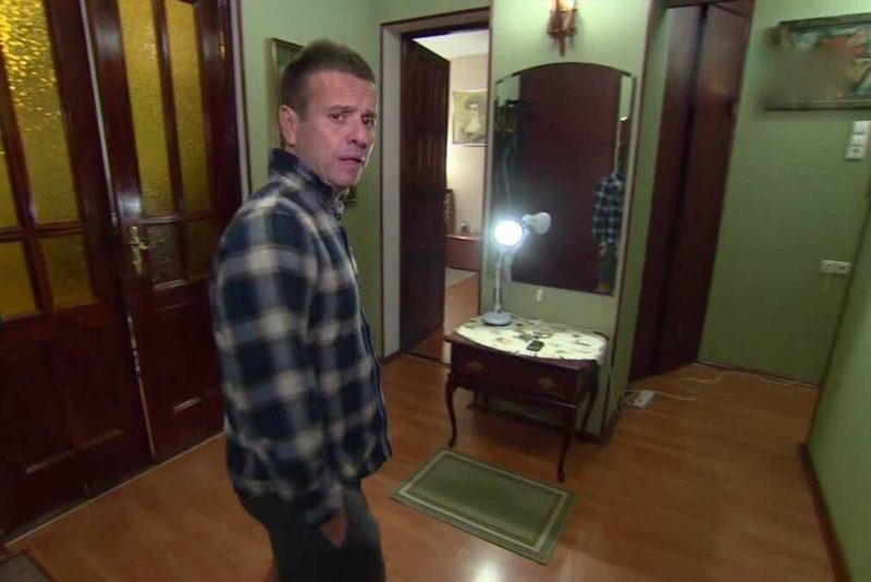 «Аквариум в грязи и ремонт 20-летней давности»: Андрей Губин показал свою квартиру в Москве